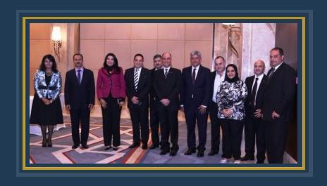 السفير المصرى وأعضاء السفارة ومدير ومسؤولى مصر للطيران