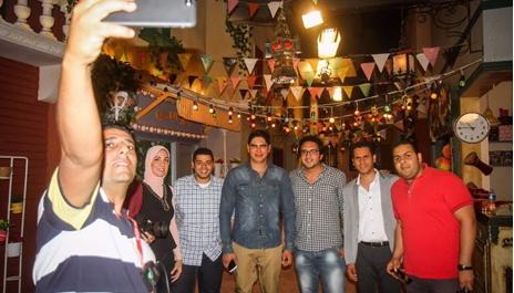 """رجل الأعمال أحمد أبو هشيمة و فريق عمل مسلسل الاطفال الجديد """"زووو"""""""