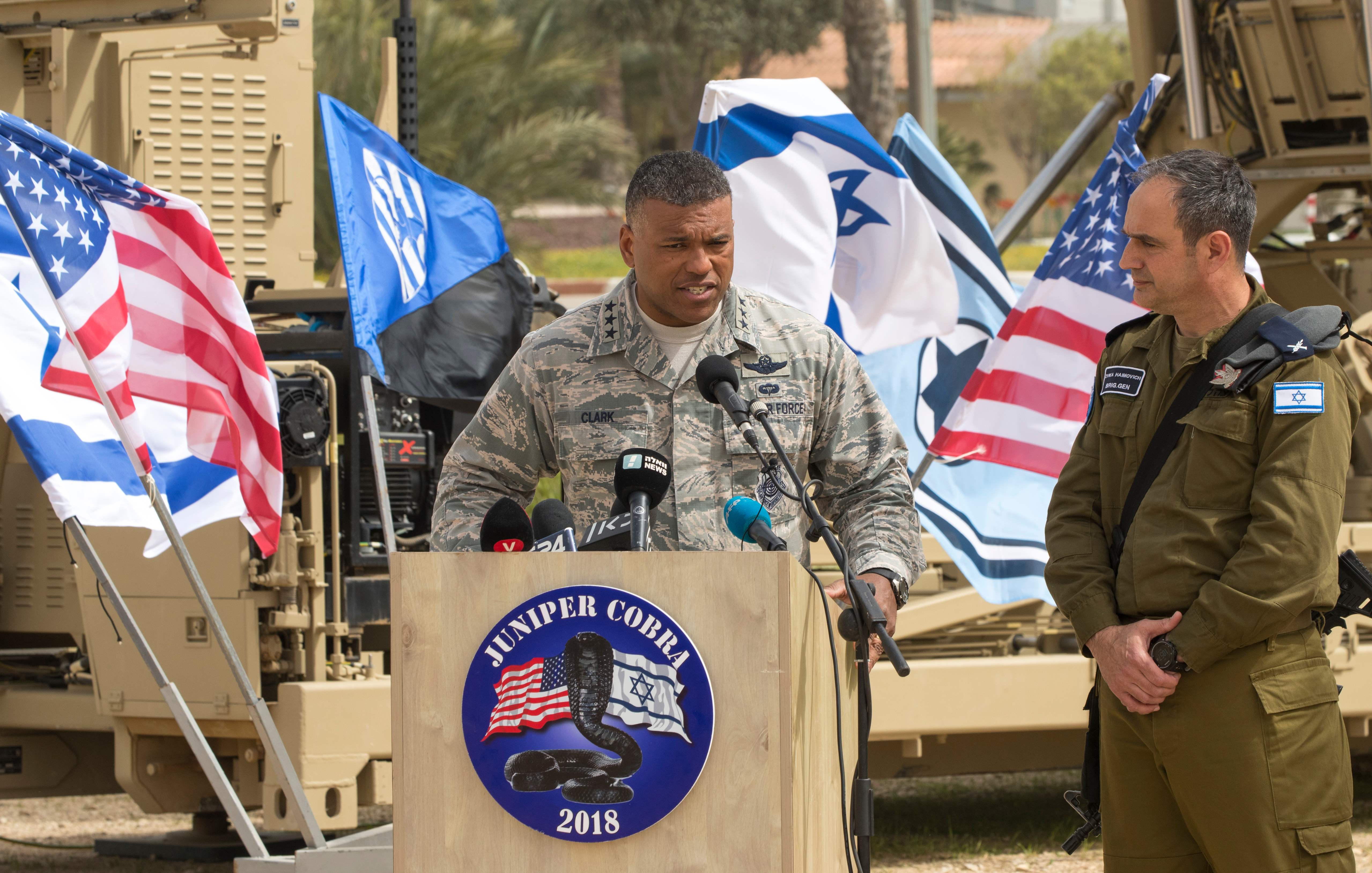 صور تدريبات عسكرية مشتركة بين القوات الأمريكية والإسرائيلية  1230198-242952-01-02
