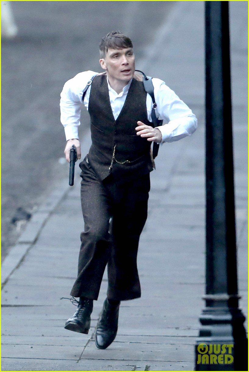 بالصور كيليان مورفى يصور مسلسل Peaky Blinders فى لندن