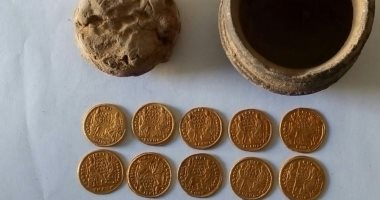 الكشف عن عملات ذهبية من العصر البيزنطى بمنطقة عين السبيل بالداخلة.. صور  201901170239563956