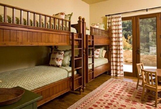 Vista Del Campo Bed Size