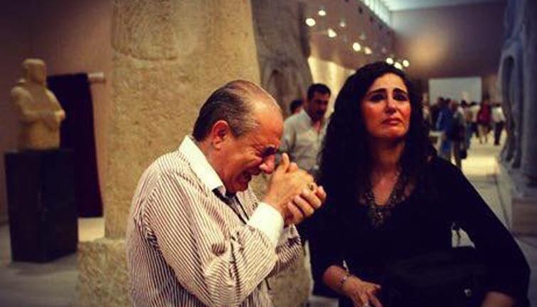 مواطن عراقي يبكي حين رأي حضارة الرافدين معروضة في المتحف البريطاني 14411