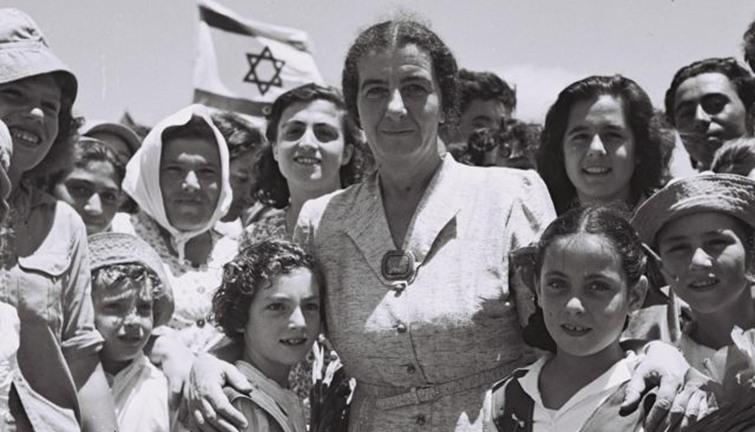 هاآرتس الاسرائيلية تنشر وثائق جديدة عن حرب اكتوبر : جولدا مائير السبب في  الهزيمة عام 1973 - انفراد