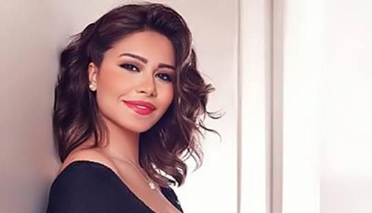 شيرين عبد الوهاب تطلب من جمهورها مشاركة حلقات  شيرى استوديو  - انفراد