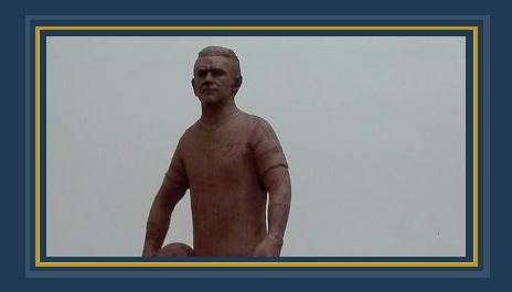 تمثال عصام الحضرى