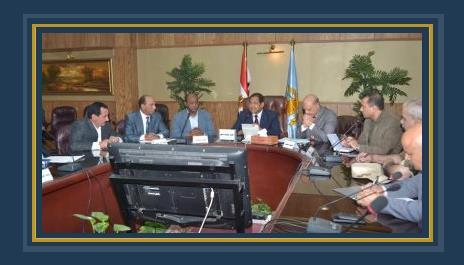 اجتماع محافظ الغربية برؤساء المدن