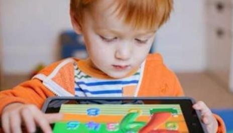 استخدام الاطفال للهواتف
