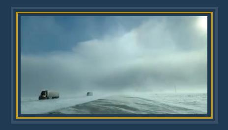 الجليد يحاصر آلاف السيارات فى طريق سريع بإيطاليا 545946